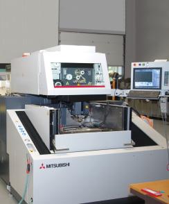 Profil - Mitsubishi Electric EDM